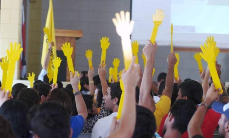 Proyecto Frente Amplio: Participación ciudadana en presupuestos municipales.