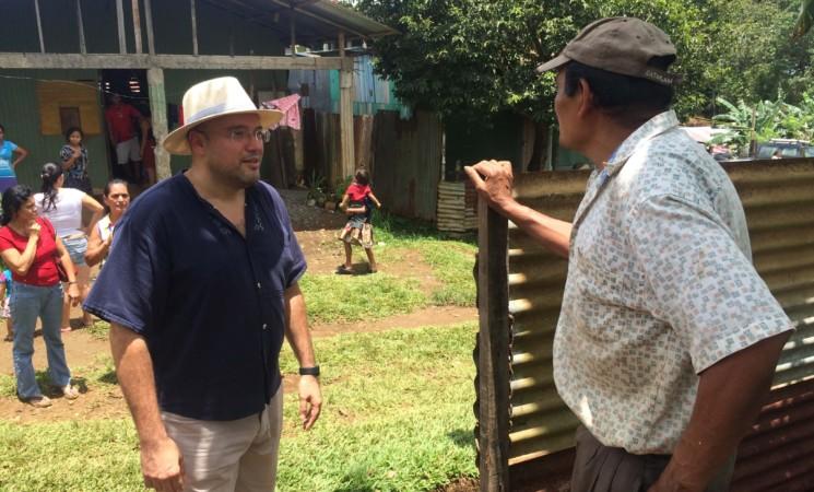 Barrio Vuelta de los Cocos.  Editorial Radio Santa Clara