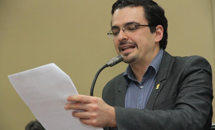 Villalta no se postulará como candidato a la Presidencia.