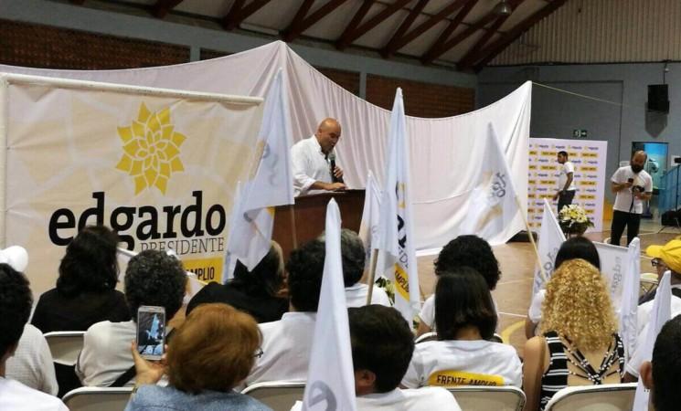 Edgardo Araya candidato presidencial del FA