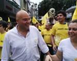 Frenteamplistas llenan de amarillo la Avenida central