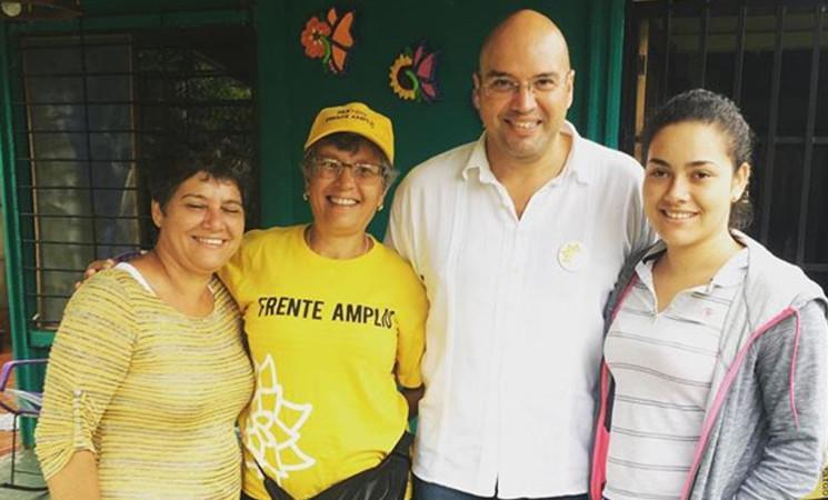Edgardo Araya visita zona norte del Caribe